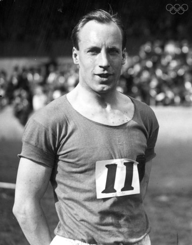 June 1924: 'Flying Scotsman', Eric Liddell (1902 - 1945) the 1924 400 metres Olympic gold medal winner, winner of the quarter mile event at the Amateur Athletic Association Championships at Stamford Bridge, London. He was known as the 'Flying Scotsman' and was immortalised in the film Chariots of Fire. (Photo by Topical Press Agency/Getty Images)